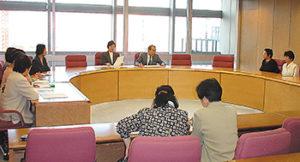 県議会全会派のご協力を得て、国に対して「食の安全行政を求める意見書」採択